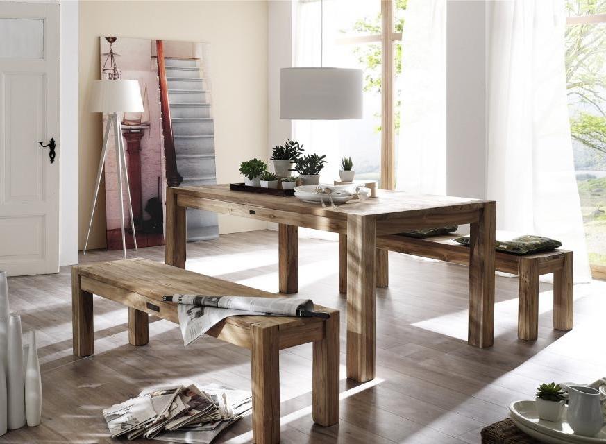 nábytek z přírodního materiálu