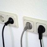 Dítě a elektřina – jak ochránit své ratolesti před zvědavostí