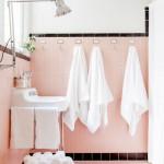 Trendy růžová koupelna