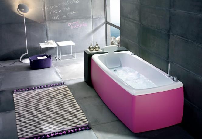 pink-bathub-665x457