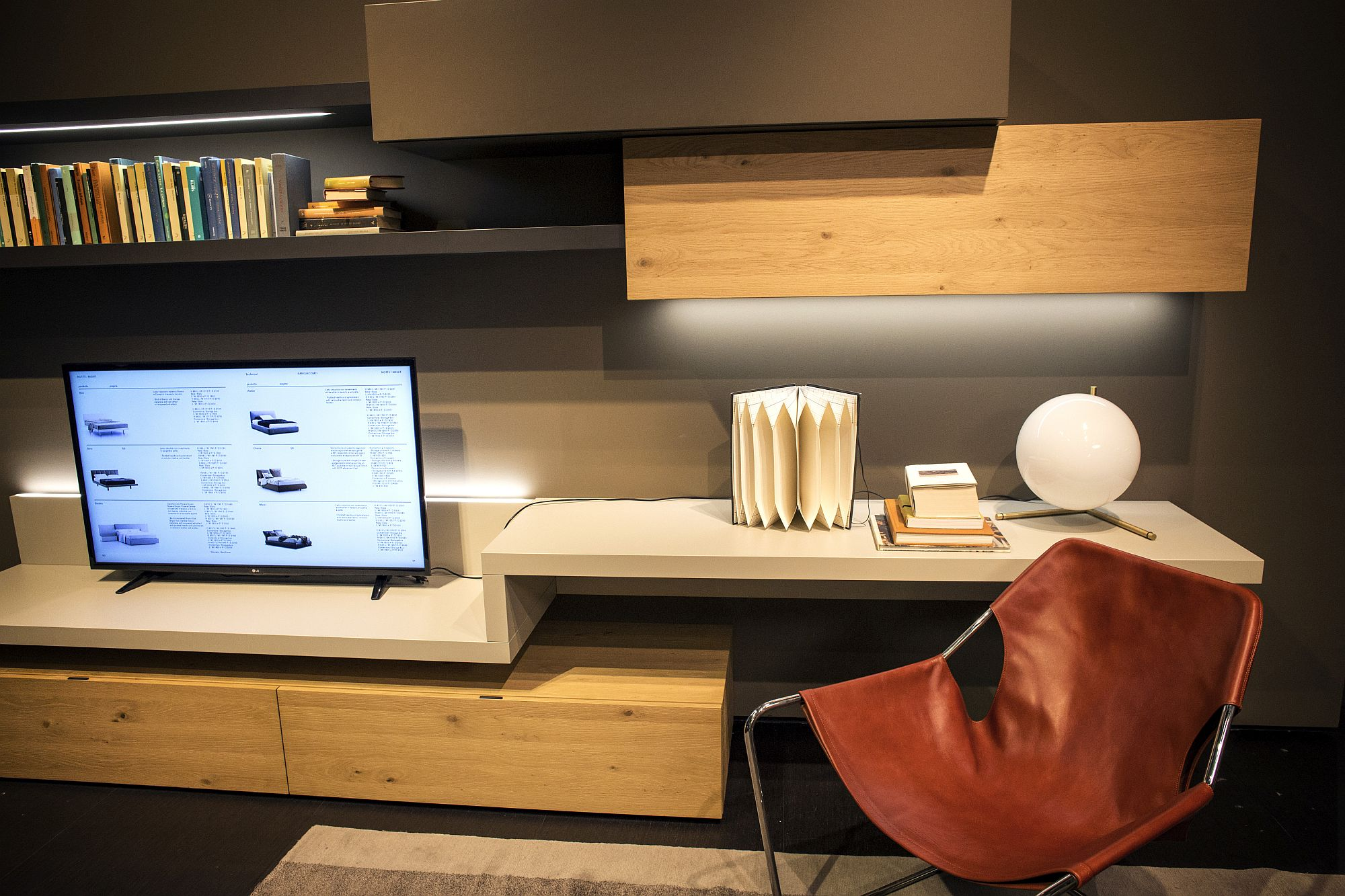 Comfy-chair-turns-the-floating-shelf-into-an-ergonomic-workstation